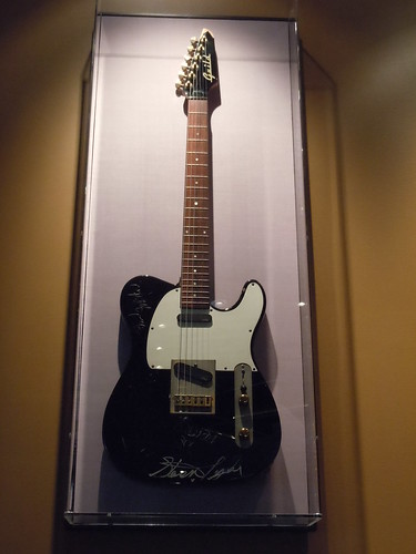 10/03/14 Hard Rock Cafe @ Mall of America, Bloomington, MN (Aerosmith Guild Telecaster)