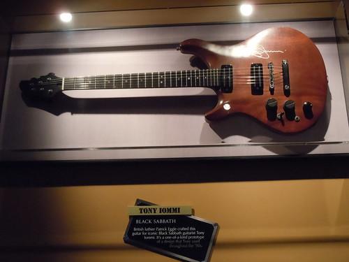 10/03/14 Hard Rock Cafe @ Mall of America, Bloomington, MN (Tony Iommi/ Black Sabbath - Custom Built Guitar)