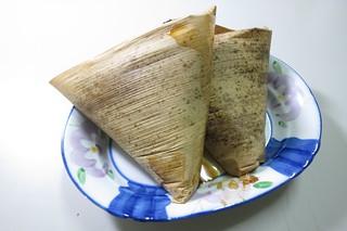 粽葉包裝的外帶米糕。圖片來源:阿酥