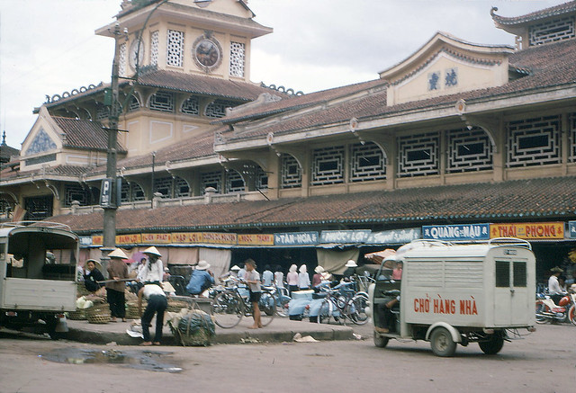 SAIGON 1966-67 - Chợ Bình Tây - Photo by R Mahoney