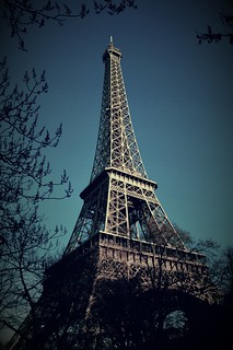 Image of Eiffel Tower.