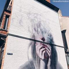 #art on the #wall #streetart #streetartistry #streetart_daily #thecrystalship #ostend #oostende #visitoostende #wanderlust #travelgram #vsco #vscocam #belgium #igbelgium #face #blue #spring #sky #city #guardiancities #guardiantravelsnaps