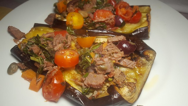 #060417 #jantar Beringela assada e recheadas com carne refogada  #dinner Roasted eggplant and stuffed with braised meat