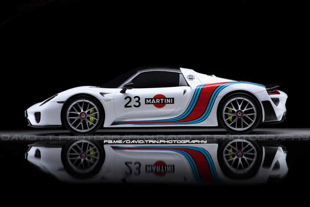 view topic spark porsche 918 spyder martini weissach package new pix. Black Bedroom Furniture Sets. Home Design Ideas