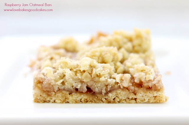 These Raspberry Jam Oatmeal bars are a quick and easy dessert or snack idea! Change up the flavor by changing the jam!