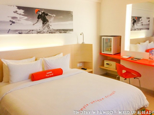 Indonesia - Bali - Harris Hotel Bukit Jimbaran - Bed room (04)