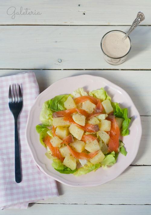 ensalada-de-patatas-y-salmón