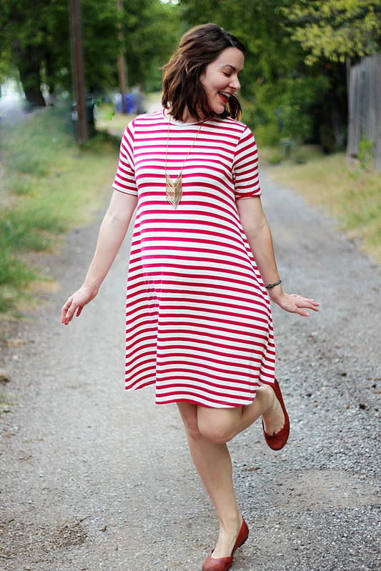 red-and-white-stripe-maternity-dress-2