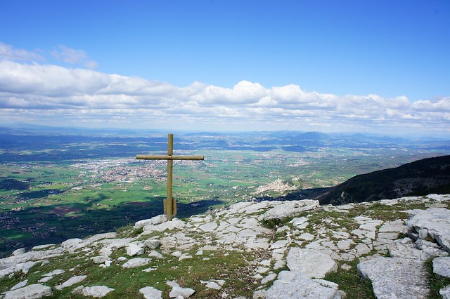 assisi-view-mt-subasio-umbria-italy-cr-brian-dore
