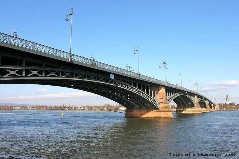 MAINZ - Theodor-Heuss-Brücke