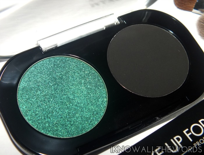 make up for ever artist shadow - emerald and black  (1)