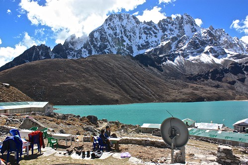 Enjoying a beautiful day in Gokyo