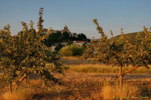 Salinas del Manzano: Atardecer de verano desde el huerto de los pichones