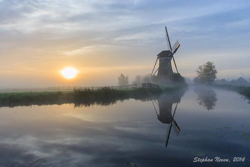 sun mist holland reflection mill netherlands windmill dutch fog sunrise river landscape meadow polder haastrecht vlist