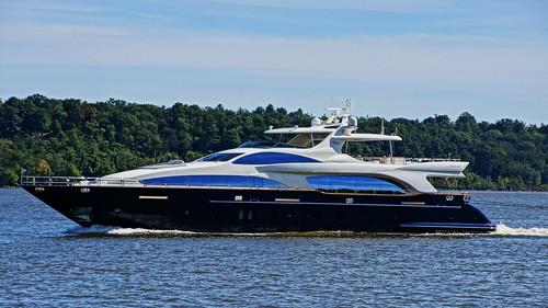 river boat yacht vessel hudsonriver luxury vivere hudsonvalley azimut ulstercountynewyork esopusnewyork sonyslta65v hudsonriveryacht myvivere mvvivere superyachtvivere motoryachtvivere