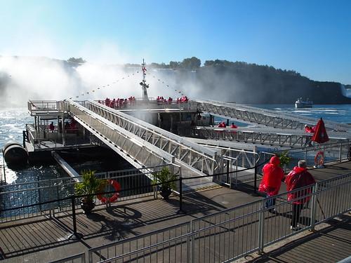 「ホーンブロワー・ナイアガラクルーズ(Hornblower Niagara Cruise)」