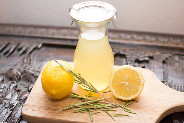 Lemon-Rosemary-Syrup 1