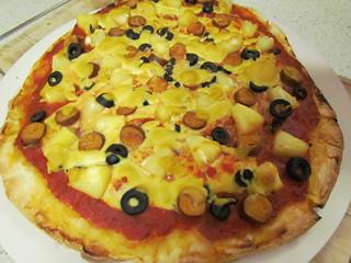 Simple Cheezy Sauce on Hawaiian Pizza