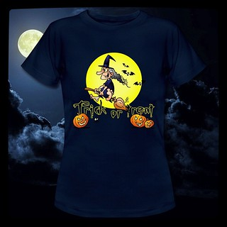 Halloween, Trick or Treat T-Shirt. #Halloween #Jackolantern #october #Zazzle #Redbubble  #Society6  #Spreadshirt #Skreened #dailydrawing  #dailysketch  #Tshirt  #Tshirtdesign  #Tekenaartje  #Cardvibes #drawing  #tekening #witch