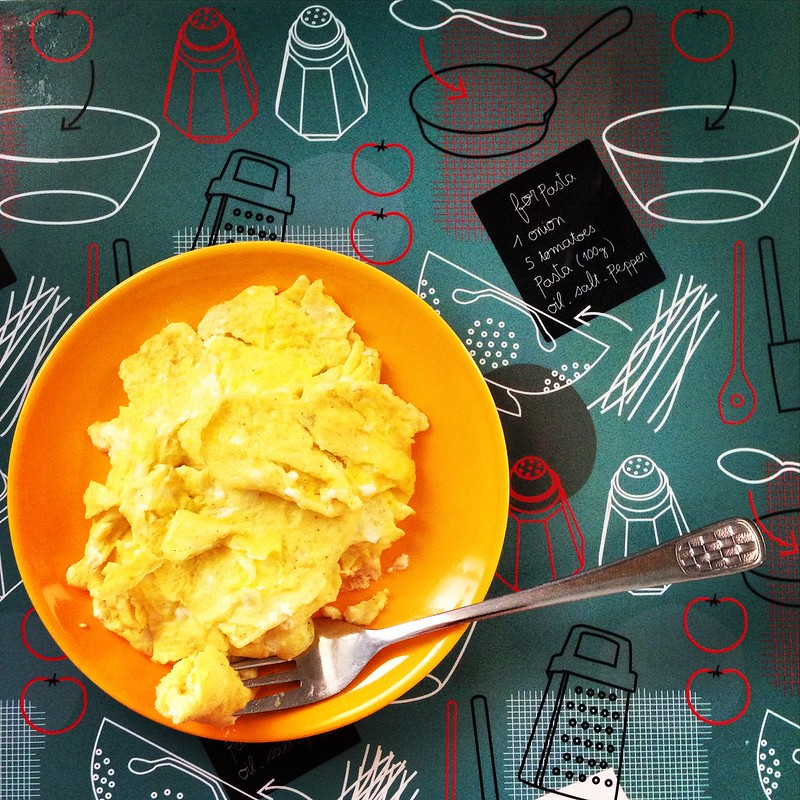 Scrambled eggs with mayonnaise