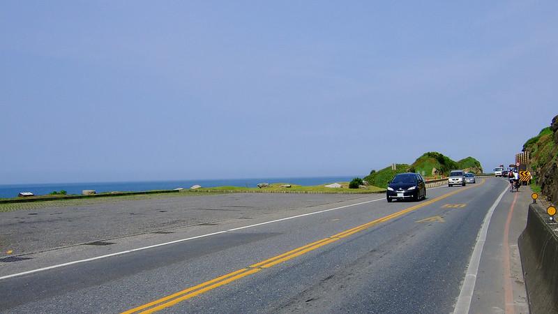 043-2號省道路旁常有這樣的小停車處讓遊客賞景-2