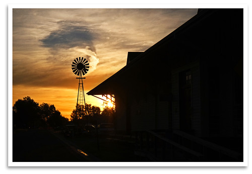 sky windmill silhouette clouds sunrise ks depot abilene abilenesmokyvalleyrailroad chisholmtrailday greatsmokyvalleyshootout asvr