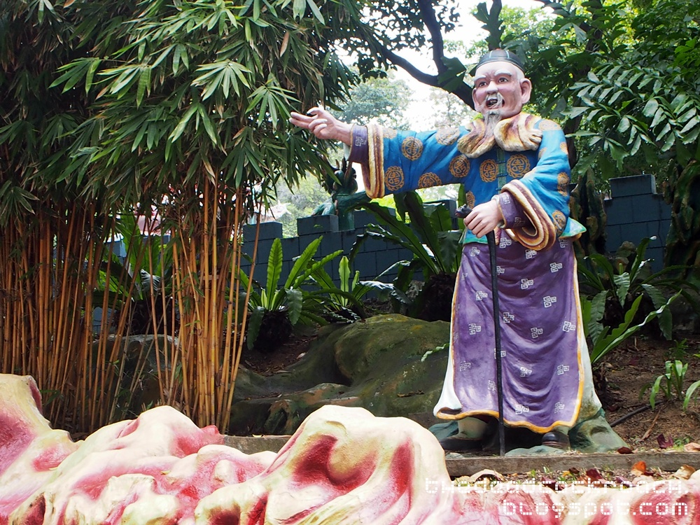 aw boon haw, aw boon par, chinese values, folklore, haw par villa, mythology, sculptures, statues, ten courts of hell, tiger balm, tiger balm garden, 虎豹别墅, singapore, where to go in singapore