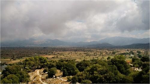 sky panorama mountains iso100 plateau sony kreta greece crete 1750 20mm f80 tamron griekenland lasithi 1400 a57 kriti vlakte κρήτη ελλάδα tamron1750 tamronspaf1750mmf28xrdiiildasphericalif minoltaamount sonyphotographing δήμοσοροπεδίουλασιθίου slta57 α57