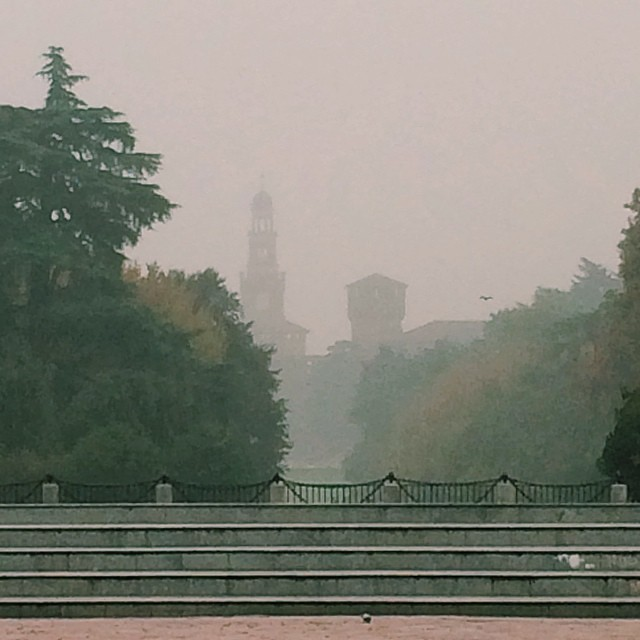 Nothing scream medieval quite like a castle shrouded in mist #milano #italy #castle #autunno #fall