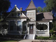 Doctors House in Glendale