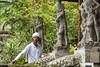Homme aux statues...Bali
