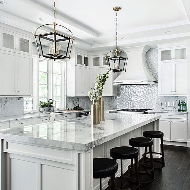 You feel great when you have a #Marble #Kitchentop like this...��  @Regrann from @homespun_la - #kitchen inspo is my favorite kind of inspo to give! Happy #humpday !  #kitchendesign #kitchenisland #marbletop