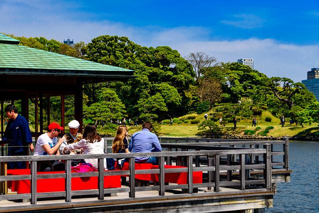 Teahouse of Hama-rikyu Gardens : 浜離宮恩賜庭園中島の御茶屋