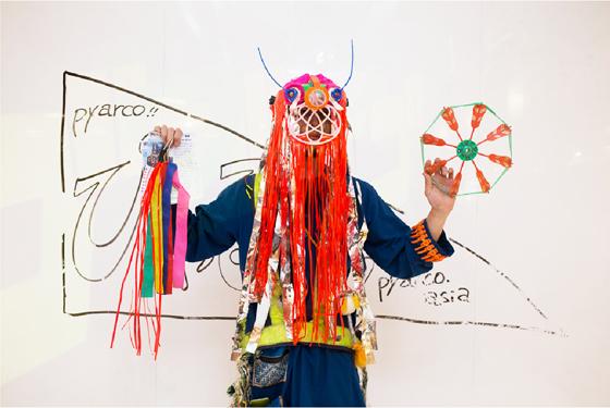 海外初個展!バンコクの廃品をアートに変える!
