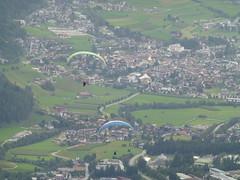 Gleitschirm-Flieger im Stubaital