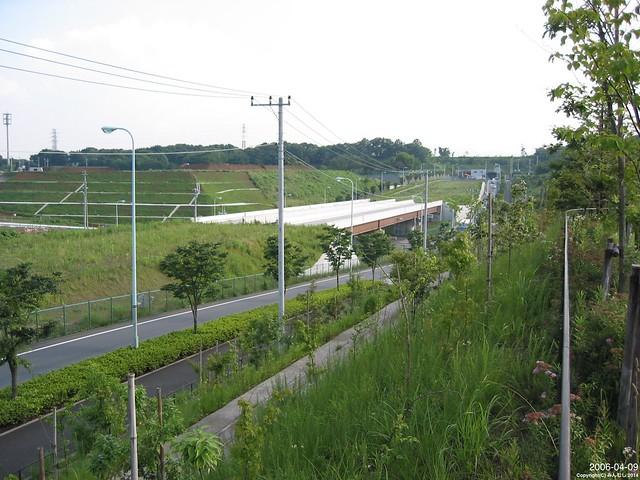 20060409_尾根幹の南大沢の高架-DATE2