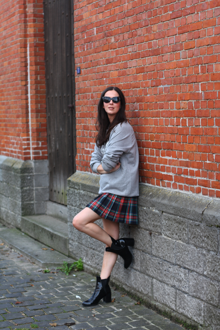 3a5e83cc2 Sweatshirt, Plaid Skirt, Patent Boots - THE STYLING DUTCHMAN.