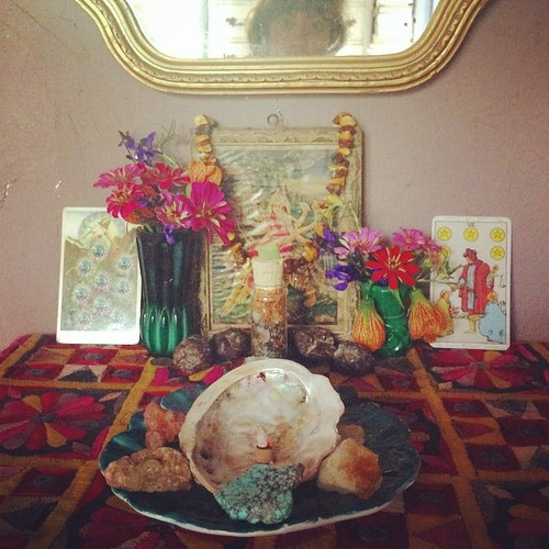 Cleaning and dressing altars for fall. Bringing in happy-home-hearth-heart-harvest-hella blessings!