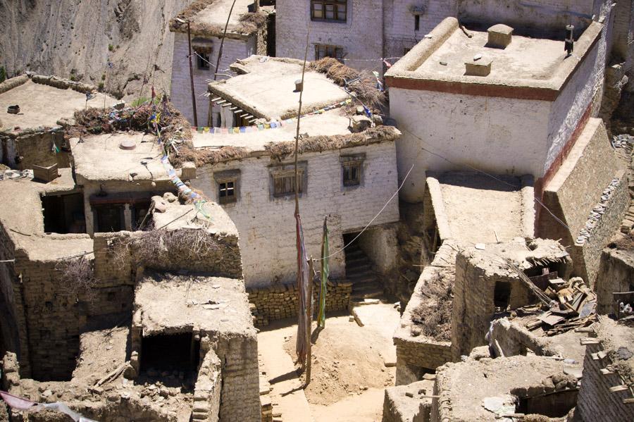 Старый город Ламаюру © Kartzon Dream - авторские путешествия, авторские туры в Ладакх, тревел фото, тревел видео, фототуры