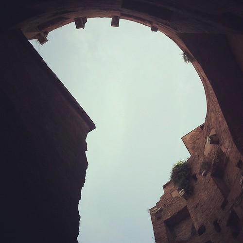 """Roma: """"cortile vista cielo"""""""