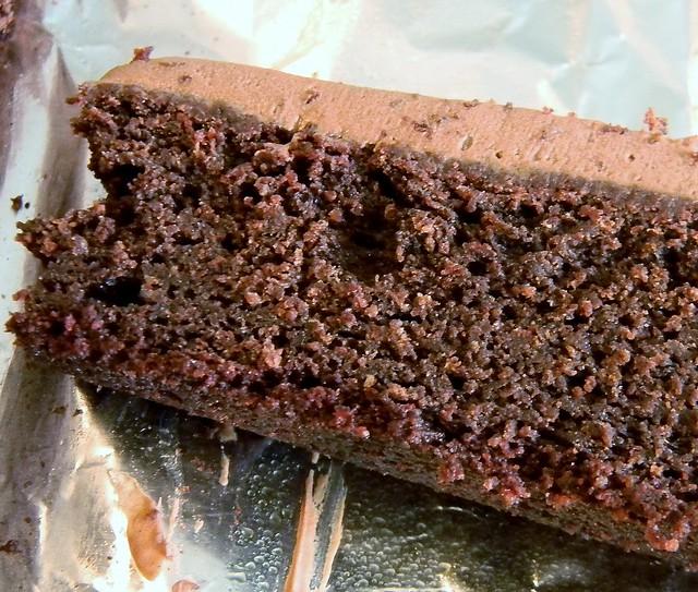 Chewy Vegan Velvet Brownies
