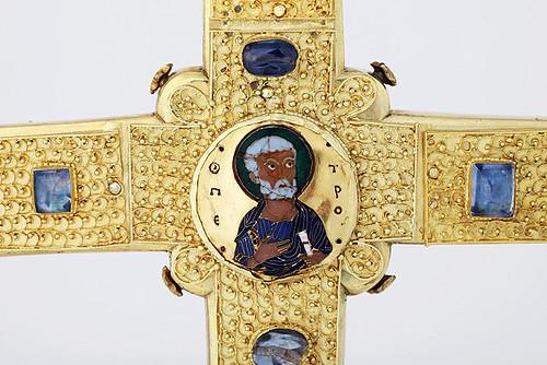 Závišův kříž aneb Rubíny, smaragdy i ostatky dřeva z Kristova kříže
