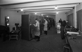 A series of 1kW long wave transmitters is made in Yleisradio's workshop during the winter war in February 1940.
