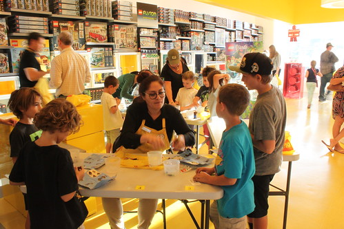 LEGO Store October 2014 Monthly Mini Build Event