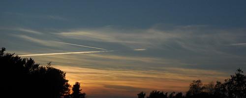 sunset sky plane denmark fly himmel danmark vaportrails solnedgang jylland sunds simmelkær røjen kondensstriber