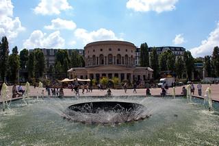 Fontaines devant la Rotonde de la Villette
