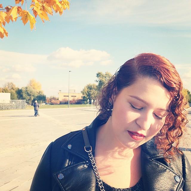 #внезапноосень #fall #falllook #lookbook #lookoftheday #face #fotd #makeup #macchili #redlip