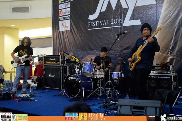 PIM Jazz Festival 2014-Bintang_Indrianto_Trio (4)