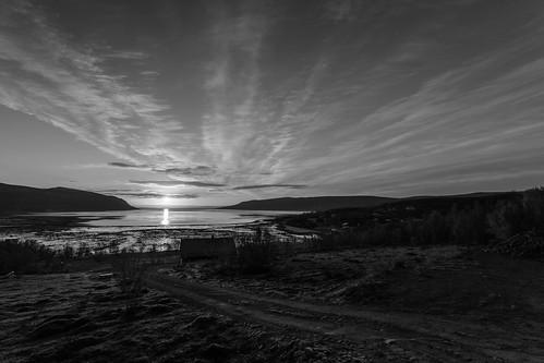 sea sky bw sun sunshine norway norge nationalgeographic finnmark olderfjord einarschioth