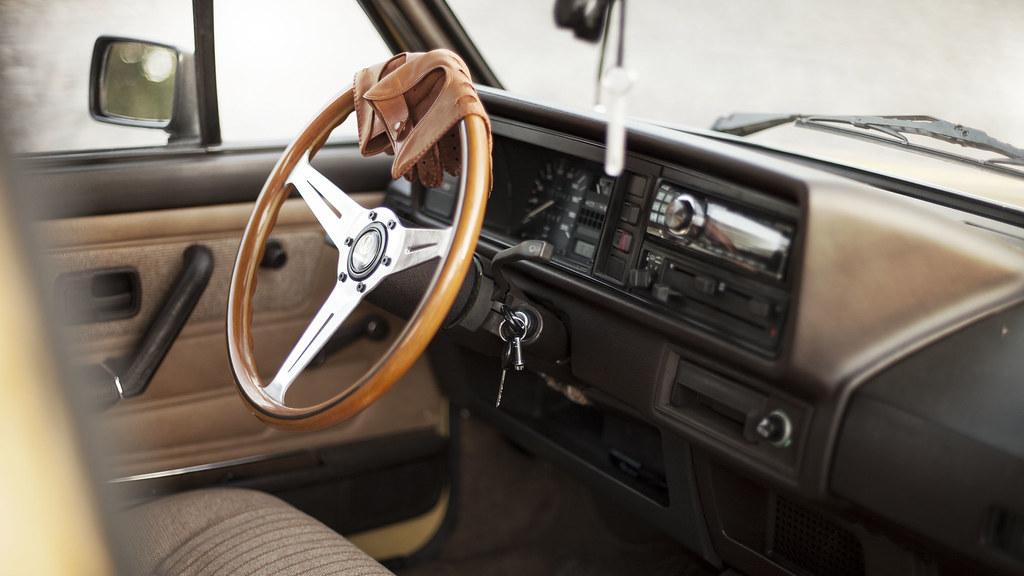 Tiku: VW Mk1 golf 5D 15227832967_89cc206bf6_b